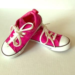 Converse solid pink size kids 10
